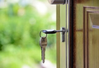 Tell-Tale Signs It's Time To Sell Your Home